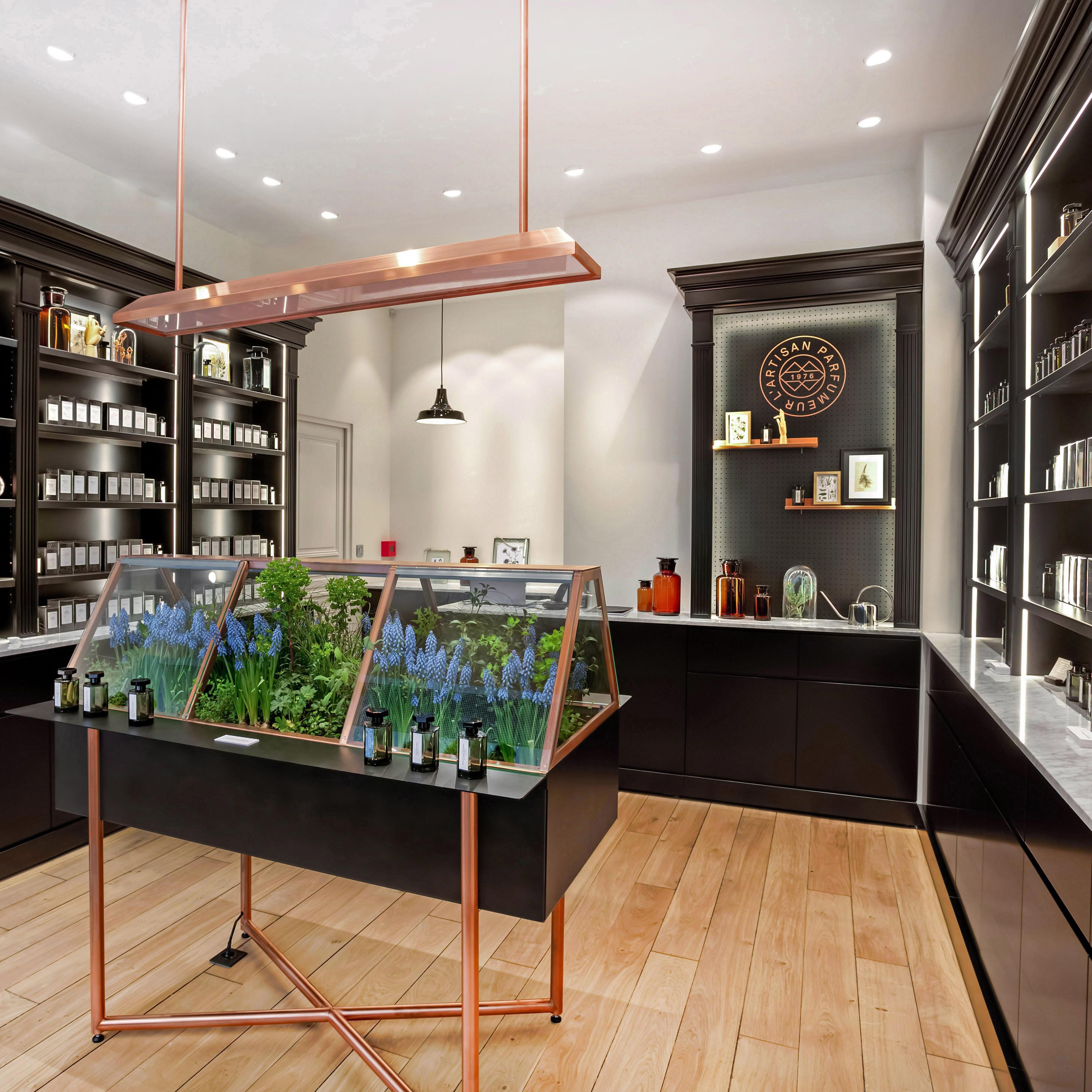 l 39 artisan parfumeur madeleine paris parfumerie de. Black Bedroom Furniture Sets. Home Design Ideas